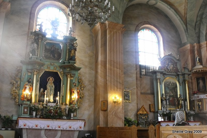 Piekielnik church interior.jpg